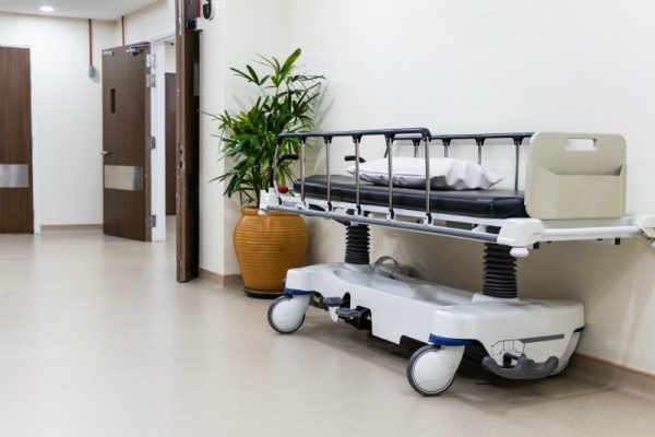 特殊な機器の設備や、シビアな設備設計を伴う事がある中小規模医院や医療関係工事も行います